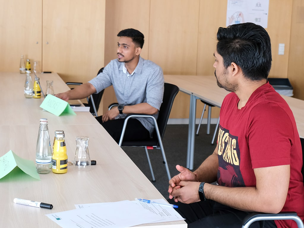 Conversations between Students at Rubitherm Workshop
